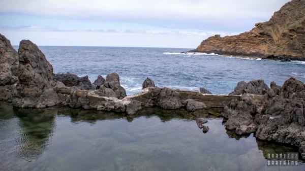 Naturalne baseny lawowe w Port Moniz, Madera
