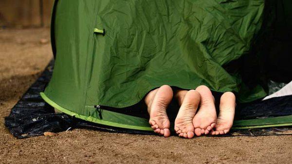 KAMPEERPRAAT  10 Tekenen dat je verslaafd bent aan kamperen