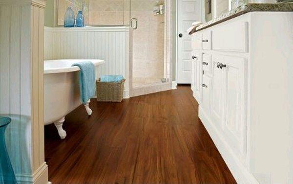 пол в ванной в деревянном доме