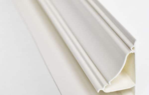 плинтус для натяжного потолка пластиковый