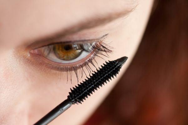 Como maquillar ojos saltones consejos