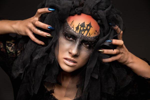 Unas halloween brujas metalizadas