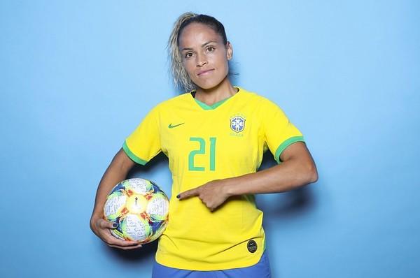 Monica_seleção_brasileira_de_futebol_feminino