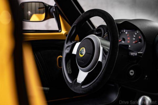 Lotus Exige Sport 410 steering wheel
