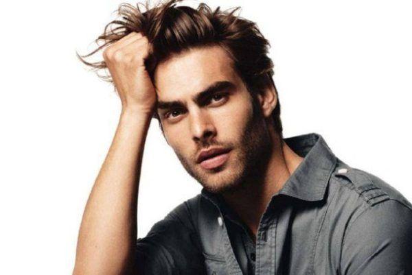 peinados-hombre-pelo-corto-tupe-largo2