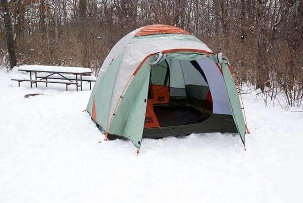 HANDIGE KAMPEERTIPS KLEINE CAMPINGS IN DE NATUUR  Goedkope camping: 10 x zo vind je de goedkoopste camping!