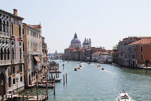 История в Венеции.