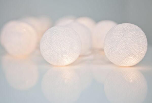 PureWhite00 600x407 - IRISLIGHTS valguskett Pure White, 20 palli