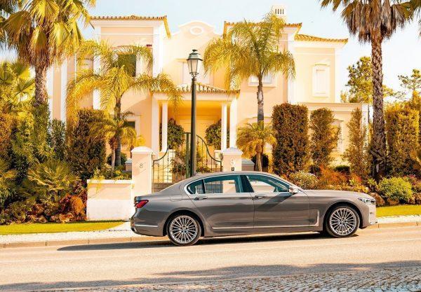 2020 BMW 740Le Hybrid side view