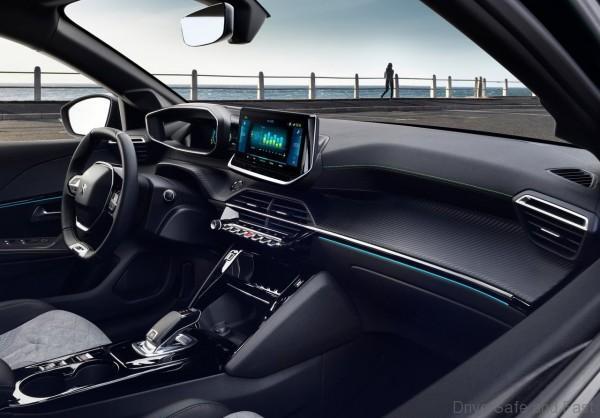 New Peugeot e-208 cabin