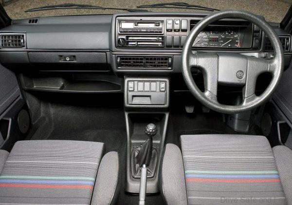 Volkswagen Golf Mk2 1983 GTI cabin