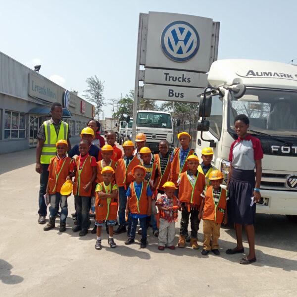2019- Pupil of Dee-Nath School visits AGL
