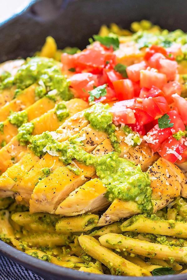 Pesto Pasta with Sliced Chicken