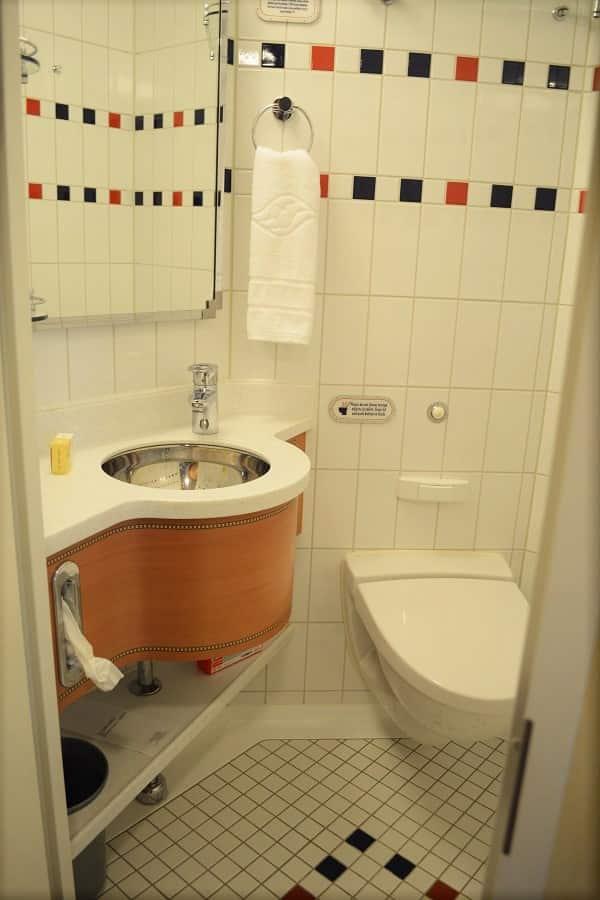 Disney Dream Split Bath
