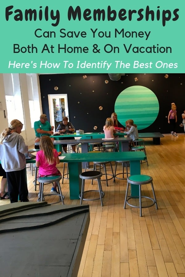 Buying an annual family pass for your local zoo, childrens museum, art museum or aquarium can save you money on weekend activities and vacations, too. Here's how to size up your local offers. #museum #zoo #family #membership #savingmoney