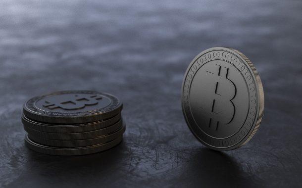 Dlaczego górnicy masowo wyprzedają wszystkie wydobywane bitcoiny?