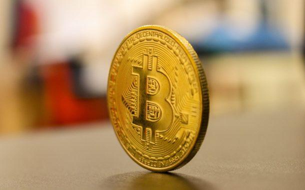Czy kurs bitcoina ma szansę na odbicie w obliczu zbliżającej się recesji?