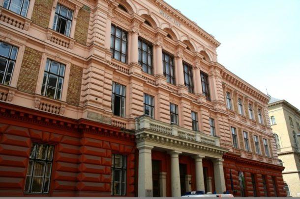 Budapest business school campus