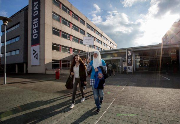 maastricht university students walking