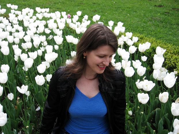 Таня в цветах