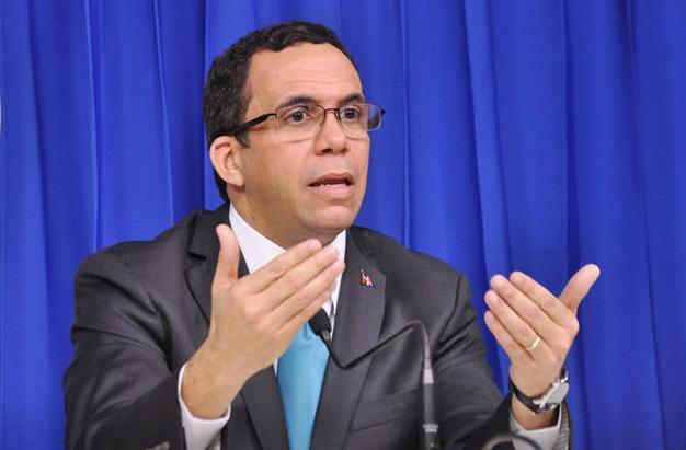 Andres Navarro, exministro de Educación.