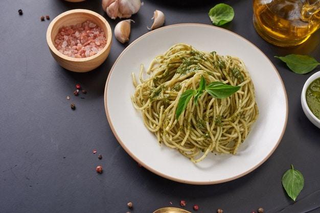Spaguetti al pesto | Foto: Jcomp - Freepik