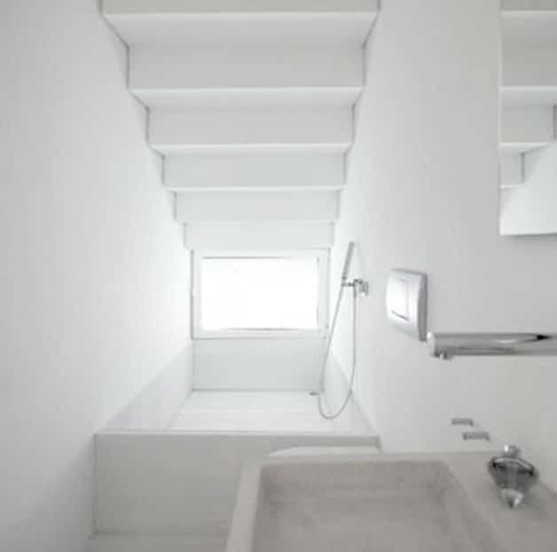 bath-tub-staircase