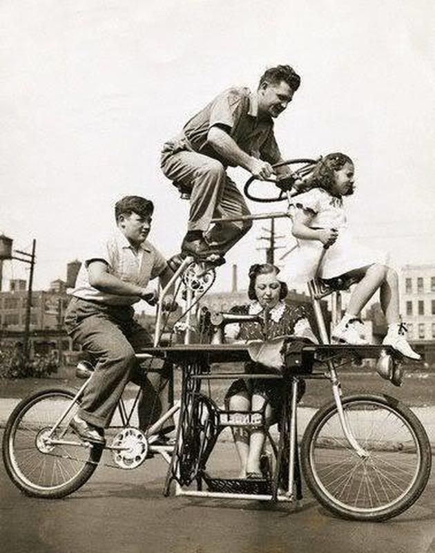 Bicicleta familiar con máquina de coser incluida para el entretenimiento familiar total.