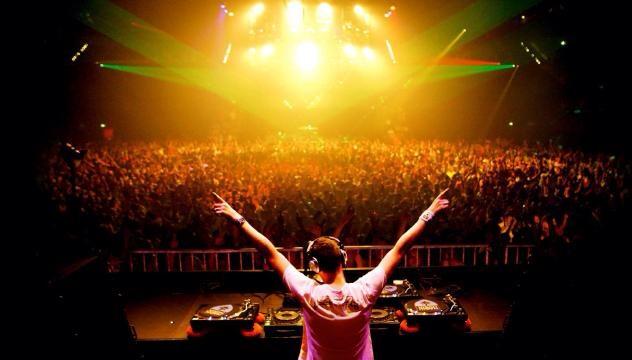 DJ Tiesto Лето в Москве Лето в Москве: куда сходить и как развлечься image 24 07 14 13 37