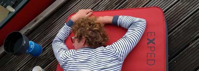 SLAPEN OP DE CAMPING  Slaapmatten test: Welke slaapmat slaapt het beste op de camping?