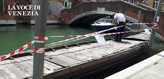 Venezia: agli Ormesini spritz e movida sui barconi: sequestrati