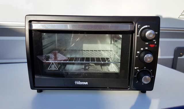 Koken op de camping  11 verschillende camping ovens. Welke bakt het beste?