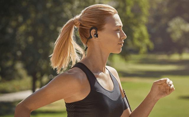 Denon AH-C160W Wireless In-Ear Sports headphones running