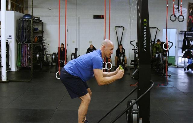Trening cardio na ergometrze narciarskim