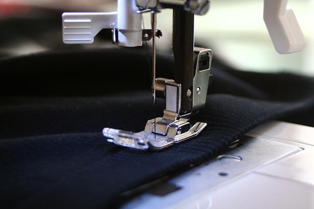 sewing-machine-262454_640