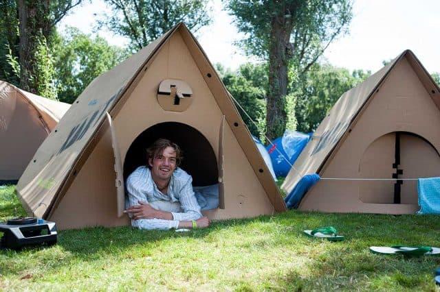 HANDIGE KAMPEERTIPS  Oordoppen en proviand: 10 x zo overleef je een festival camping
