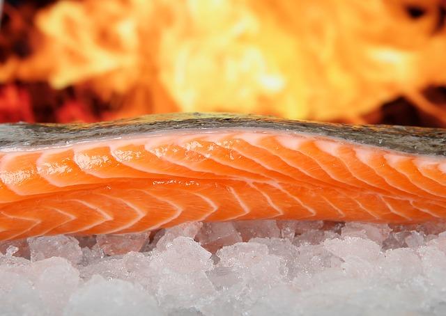 Frischer Lachs vom Wochenmarkt