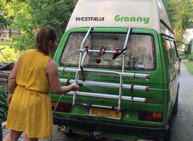 Camper & caravan Kampeeruitrusting  Bosch Fontus, een mobiele accureiniger is dat handig? Uitgebreide review