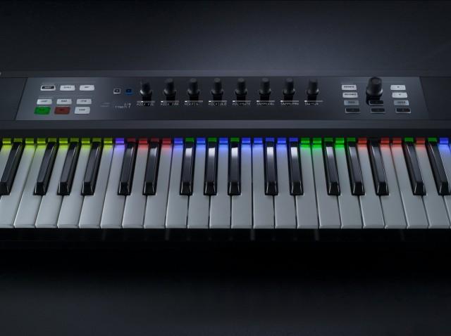 NI_Komplete_Kontrol_S-Series_Keyboards_LightGuide_StudioDrummer