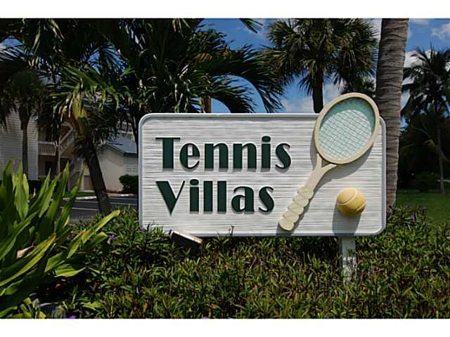Tennis Villas in Indian River Plantation