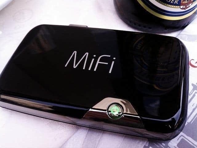 HANDIGE KAMPEERSPULLEN KAMPEERUITRUSTING  WiFi, mifi of hotspot op de camping? Wat werkt voor snel internet?