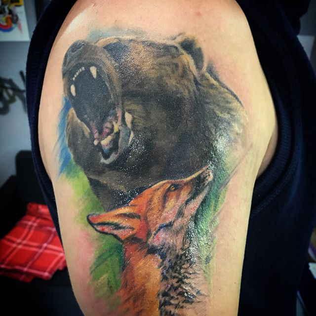 Животные тату на плече