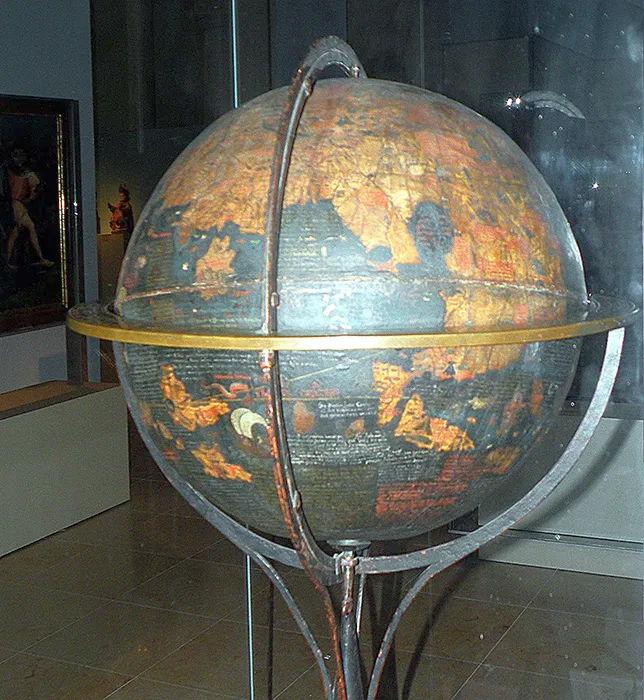 El globo de Erdapfel es el globo terrestre más antiguo que ha sobrevivido