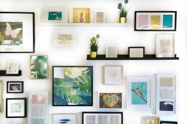 Wand Deko Konzepte - Lieber ein einzelnes großes Bild oder viele kleine asymmetrisch platzierte Rahmen?