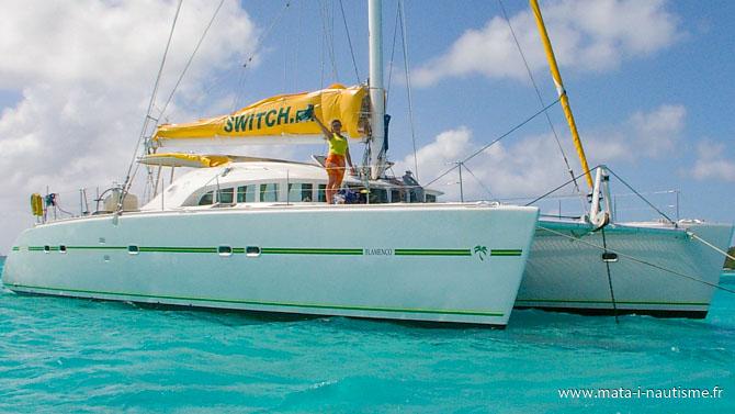 Hôtesse de bord catamaran antilles