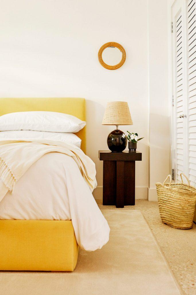 palm-heights-grand-cayman-beach-hotel-gabriella-khalil styl karaibskiej rezydencji z lat 70. 06