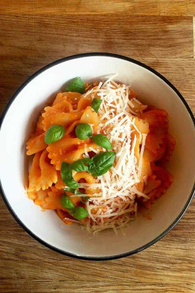 Basic tomato pasta sauce