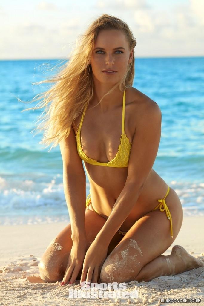 Sports_Illustrated_Caroline_Wozniacki_Sexy_2017_084