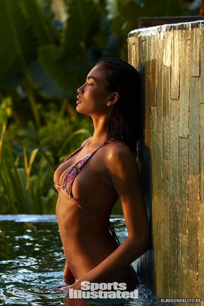 Sports_Illustrated_Kelly_Gale_Sexy_2017_004