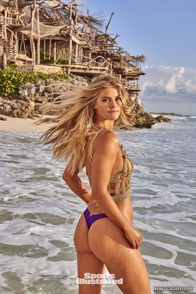 Sports_Illustrated_Nina_Agdal_Sexy_2017_029